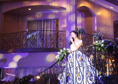 kisses delavin celebrity debut venue 1