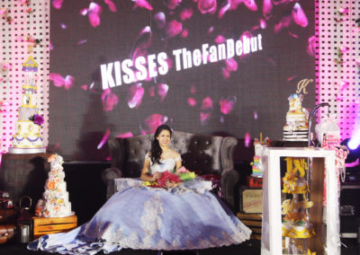 kisses delavin celebrity debut venue