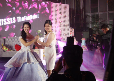 kisses delavin debut glass garden ph